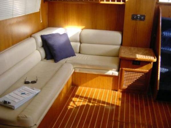 yacht-rental-7-bg